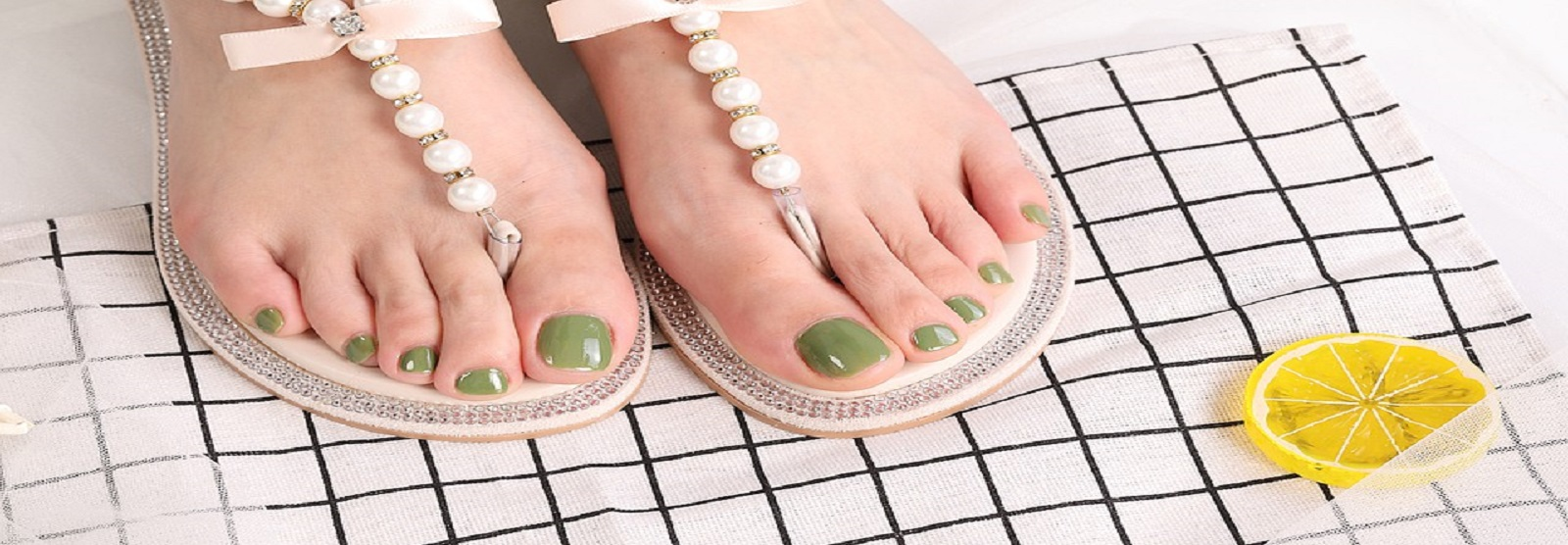Let's Switch to Waterless Pedicure from Water Pedicure