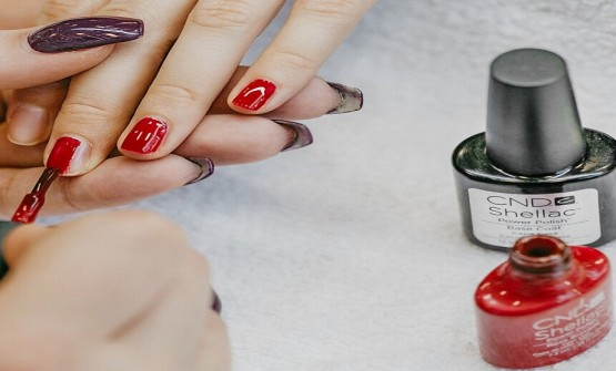 Why To Choose Shellac Manicure